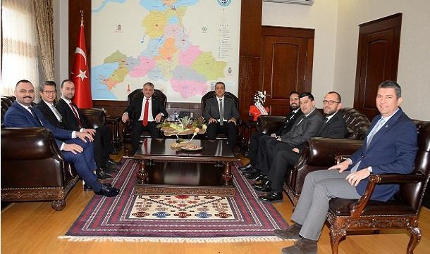 Balıkesir GİAD Yönetim kurulu, Vali Sayın Ersin YAZICI' yı makamında ziyaret etti..