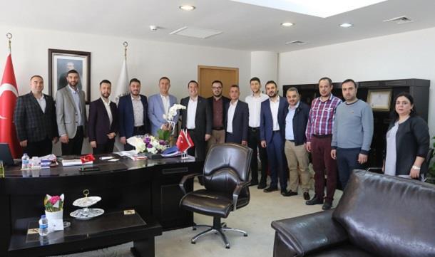 AKGİAD'dan Belediye Başkanı Besim Dutlulu'ya ziyaret.