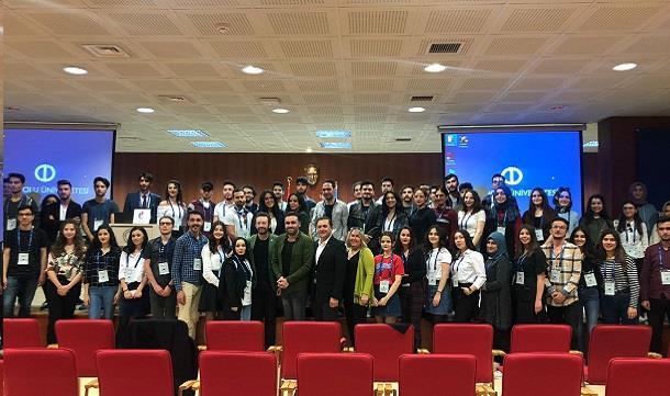 Tanzer Polat Yılmaz Anadolu Üniversitesi öğrencileriyle bir araya geldi.
