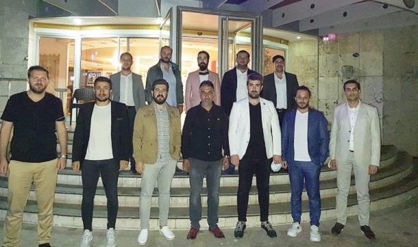 Manisa Genç İş Adamları Derneği Üyeleri Foça 'da biraraya geldi..