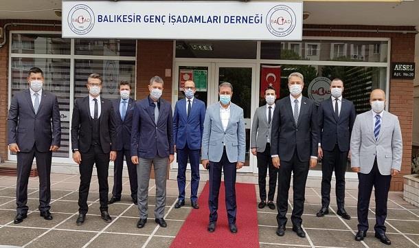 Balıkesir Valisi Hasan Şıldak Balıkesir GİAD'a iade-i ziyarette bulundu.